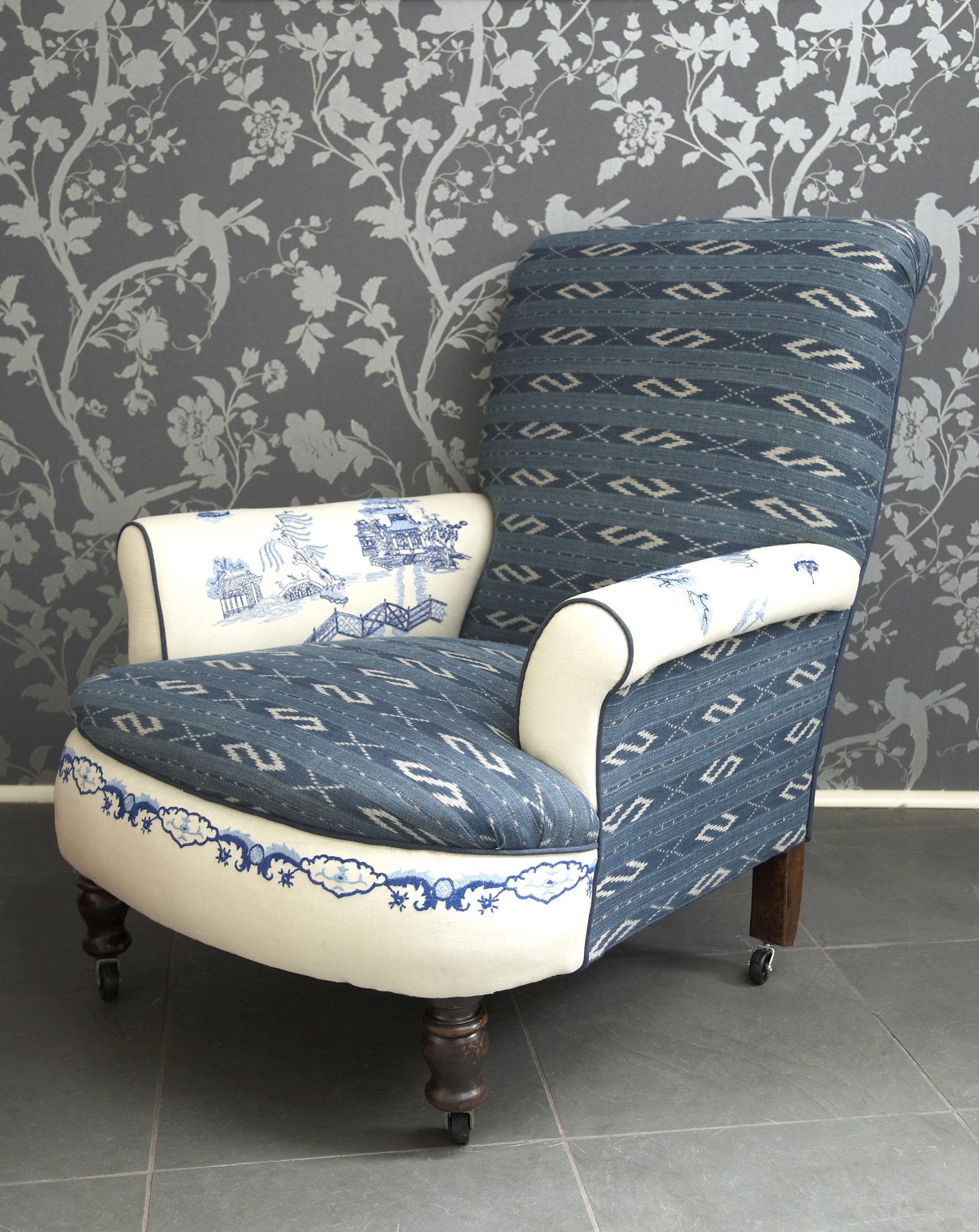 Willow Pattern Chair HD